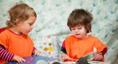 young-children-sharing-activities