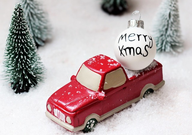 christmas-tree-truck-toys-2